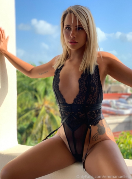 OnlyFans - Belle Emmanuelle - Photos